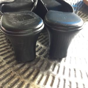 Easy Spirit Shoes - Easy spirt slides Mules Sandals Black Leather Sz 9